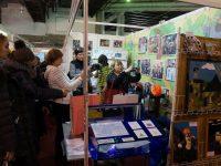 Народ у нашей выставки — Образовательные организации Ленинск-Кузнецкого городского округа приняли участие в Кузбасском образовательном форуме-2017